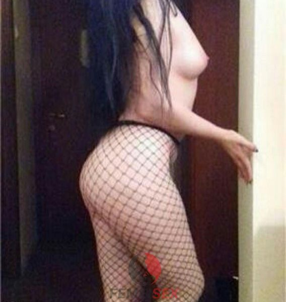 curva Alejandra_69 din Dambovita de 21 ani