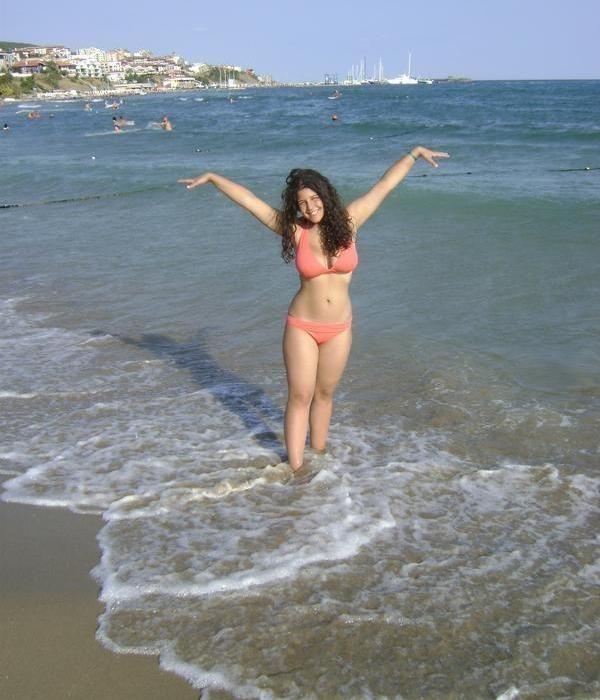 nimfomana Melania_99 din Botosani de 29 ani